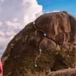 Trilha e escalada: pedra do Garrafão na Serra dos Órgãos